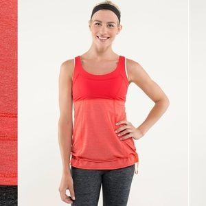 Lululemon Run Tata Topper Size 8, Love Red
